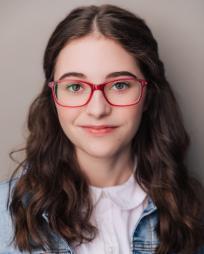Alyssa Emily Marvin Headshot