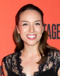Julia Estrada Headshot