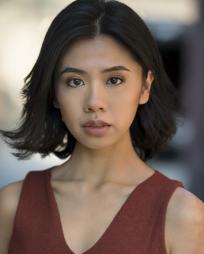 Zoe Lau Headshot