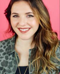 Hannah Schwartz Headshot