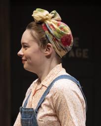 Annie Munch Headshot
