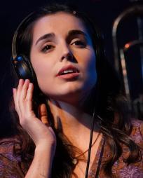 Mackenzie Lesser-Roy Headshot