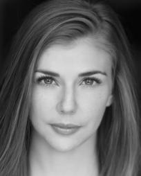 Eliza Ohman Headshot