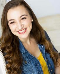 Kristen Daniels Headshot