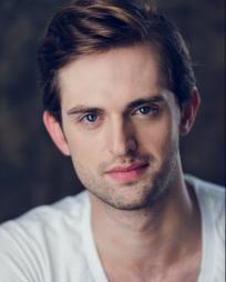 Nolan Hennelly Headshot