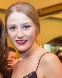 Sophie Reeves Headshot