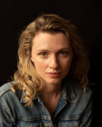 Lindsay Alexandra Carter Headshot