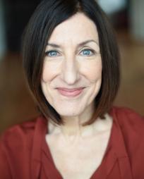 Julie Proudfoot Headshot