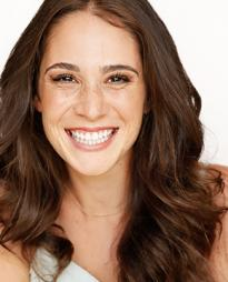 Sarah Hinrichsen Headshot