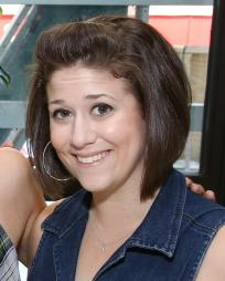 Stephanie Lynn Bissonnette Headshot