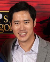 Jinwoo Jung Headshot