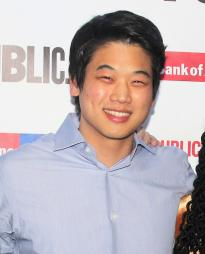 Ki Hong Lee Headshot
