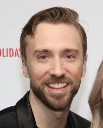 Peter Hollens Headshot
