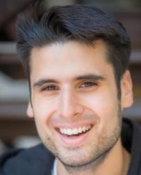 Amir Razavi Headshot