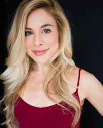 Laura Katherine Kaufman Headshot
