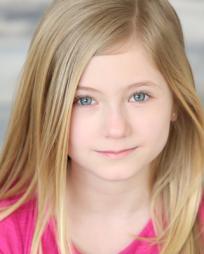 Addison Mackynzie Valentino Headshot