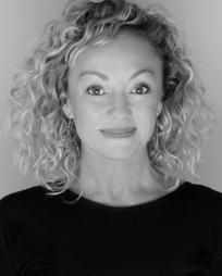 Leigh-Anne Vizer Headshot