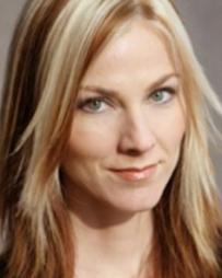 Laura Good Headshot