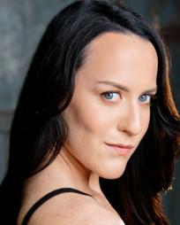 Hannah Howzdy Headshot