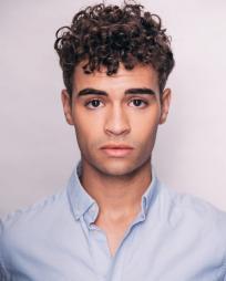 Daniel Croix Henderson Headshot