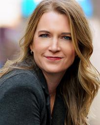 Holly Reed Headshot