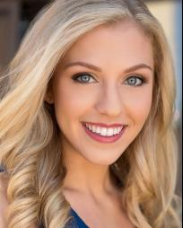 Nicole DeLuca Headshot