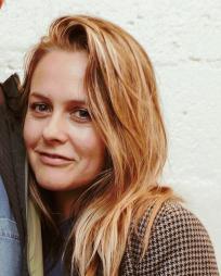Alicia Silverstone Headshot