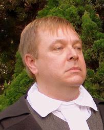 Daniel Kruger Headshot