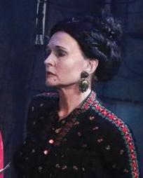 Michelle Holmes Headshot