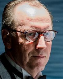 Stefan Bednarczyk Headshot