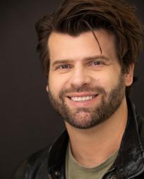 Gareth Owen Headshot