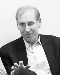 Stephen Weiner Headshot