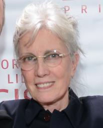 Elizabeth LeCompte Headshot