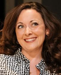 Sarah Earnshaw Headshot