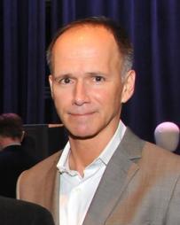Robert Perdziola Headshot