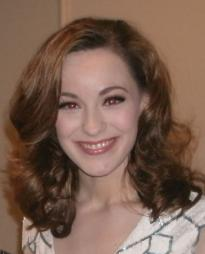 Holly Laurent Headshot