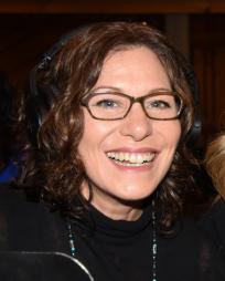 Janet Saia Headshot