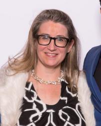 Laura Stanczyk Headshot