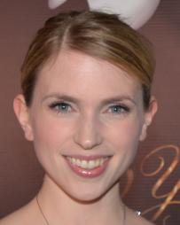 Polly Baird Headshot