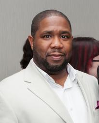 Derrick Sanders Headshot