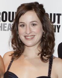 Amanda Leigh Cobb Headshot