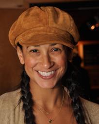 Nikki Long Headshot