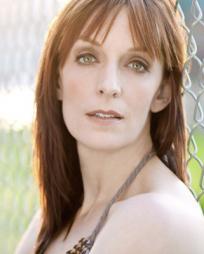 Julia Murney Headshot