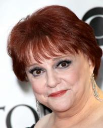 Carole Shelley Headshot