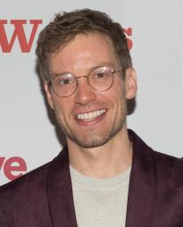 Barrett Foa Headshot