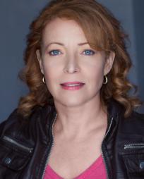 Elizabeth Canavan Headshot