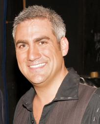 Taylor Hicks Headshot