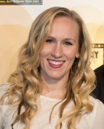 Stephanie Torns Headshot