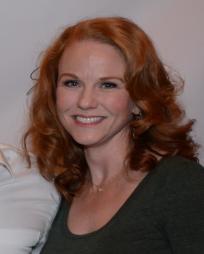 Jennifer Hope Wills Headshot