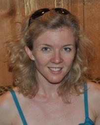 Julie Barnes Headshot